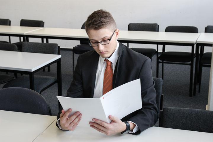転職活動と就職活動の違い|転職活動で準備しなければならないものとは?